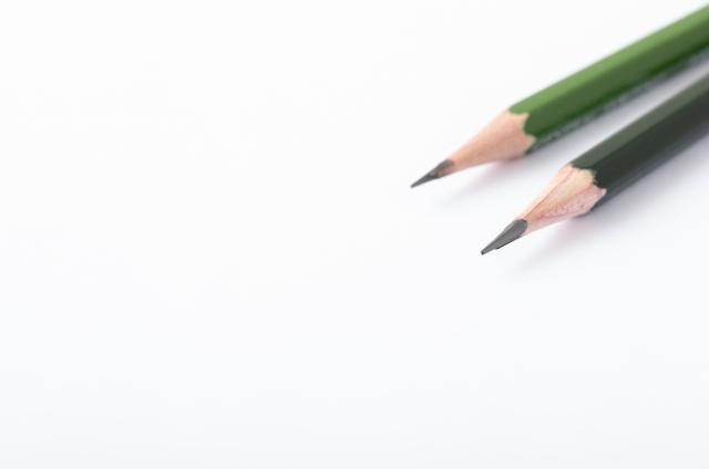2本の鉛筆写真