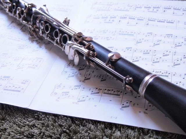 楽譜とクラリネット