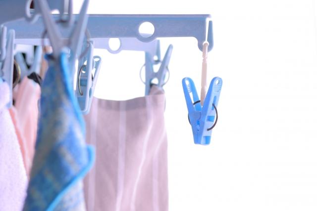 洗濯物と洗濯バサミ