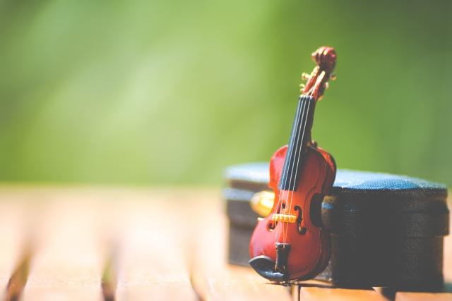 バイオリンのミニチュア