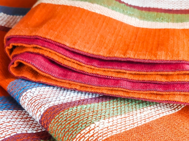 カラフルな布織物