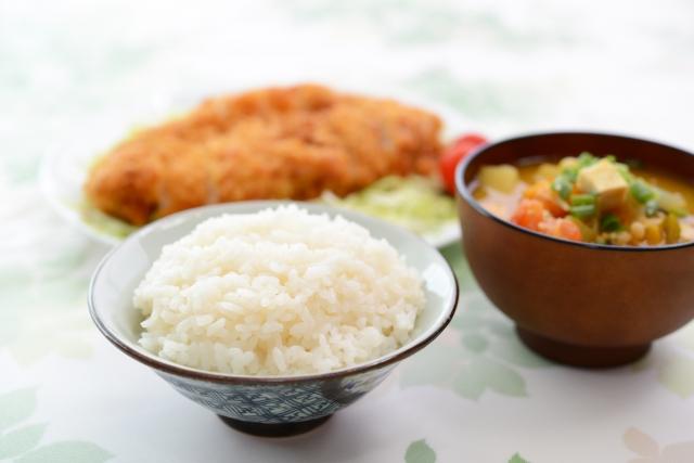 基本の和食(ご飯・味噌汁・おかず)