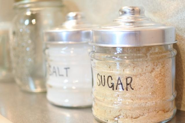 砂糖と塩の保存ビン
